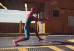 """好莱坞科幻冒险动作巨制《蜘蛛侠:英雄归来》已在全国上映,在内地掀起一阵""""蜘蛛侠""""热潮!上映后票房持续飘红,18小时破亿,36小时破两亿,44小时高达3亿,一举成为今年超级英雄电影开画最佳,更是凭借单日票房1.8亿的好成绩,成功打破历年9月好莱坞电影单日票房纪录!影片由乔·沃茨执导,汤姆·赫兰德、小罗伯特·唐尼、迈克尔·基顿、玛丽莎·托梅联袂主演,目前影片正在全国火热上映中。"""