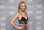 当地时间9月10日,好莱坞女星詹妮弗·劳伦斯携电影《母亲!》亮相多伦多国际电影节
