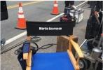 在经过长时间的协商和商谈之后,马丁·斯科塞斯的齐乐娱乐《爱尔兰人》终于开拍。近日,齐乐娱乐曝光了数张片场照。在这些照片上,我们能看到齐乐娱乐已经开拍了一段时间,马丁·斯科塞斯坐在导演椅上兢兢业业地工作,在他面前的,除了有监视器之外,还有剧组的工作人员,以及一架飞机。由此来看,齐乐娱乐或许会有一个不小的阵仗。