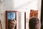 由张艾嘉执导并主演的电影《相爱相亲》正在热映中。电影围绕着一个家庭中发生的戏剧性事件展开,故事真挚温暖,催人泪下。影片中集结的一众戏骨与优秀演员,将角色演得动人无比,可谓贡献了电影表演的最佳示范。第54届金马奖入围名单中,主演张艾嘉、田壮壮、吴彦姝更是入围了表演大奖。今日片方也再公布一支片花,将影片中的精彩戏份回顾再现,以飨影迷。电影自上映以来,口碑不断走高,豆瓣评分更一路涨至8.6分,堪称今年华语电影中的佼佼者。赵薇、吴奇隆、王珞丹等明星均在微博自发声援。影片