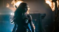 《正义联盟》特辑 神奇女侠等英雄吊打反派
