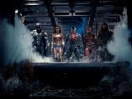 《正义联盟》终极海报超人现身 披头士片尾曲燃爆