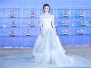景甜白色公主裙亮相丝路沙龙网上娱乐节红毯 尽显甜美气质
