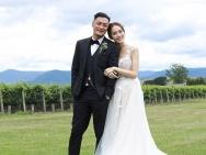 余文乐王棠云婚照甜蜜 他终于找到现实中的春娇!