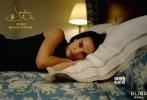 """今日,即将于2018年1月19日上映的历史悬疑题材影片《第一夫人》曝光该片幕后制作特辑。据悉,该影片由熙颐影业制作出品,智利国宝级导演帕布罗·拉雷恩执导、奥斯卡影后娜塔莉·波特曼主演。特辑中制片人胡安·德迪奥·拉雷恩、导演帕布罗·拉雷恩、演员娜塔莉·波特曼向观众讲述了影片台前幕后的创作故事。彩色与黑白影像穿插叙事、匠心独运重建白宫,该片尽最大可能还原历史,呈现出一部关于最美""""第一夫人""""的想象力之作。"""