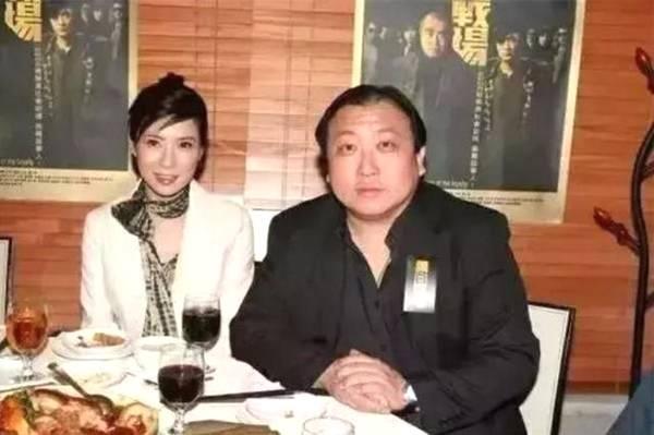 她是黑帮大嫂专业户为爱息影3年被甩51岁仍单身