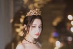 迪丽热巴亮相米兰时装周 黑裙女王优雅皇冠吸睛