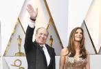 北京时间3月5日,第90届奥斯卡金像奖颁奖典礼在好莱坞杜比剧院举行,红毯上星光熠熠,巨星云集。图为:《敦刻尔克》配乐汉斯·季默。