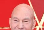 北京时间3月5日,第90届奥斯卡金像奖颁奖典礼在好莱坞杜比剧院举行,红毯上星光熠熠,巨星云集。图为:帕特里克·斯图尔特。
