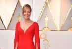 北京时间3月5日,第90届奥斯卡金像奖颁奖典礼在好莱坞杜比剧院举行,红毯上星光熠熠,巨星云集。图为:《我,花样女王》艾莉森·珍妮。