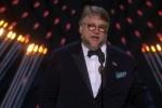 吉尔莫·德尔·托罗凭《水形物语》荣获最佳导演奖