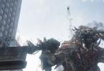 """好莱坞科幻动作巨制《环太平洋:雷霆再起》发布了""""硬拼到底""""版预告和""""浓墨重彩""""版海报,超热血的机甲怪兽大战和大气磅礴的浓郁水墨风海报相结合,将这部视效动作大片燃情呈现。末日危机降临,面对来势汹汹的怪兽,年轻的机甲驾驶员热血集结,一场拯救世界的大战即将引爆。据悉,影片将于3月23日以2D、3D、中国巨幕、IMAX、杜比影院、杜比全景声、临境音以及4D制式全国上映。"""