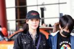 袁姗姗机场牛仔装潮酷十足 自虐式减肥后神采奕奕
