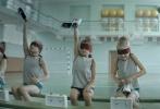 """俄罗斯年度黑马励志情感电影《花滑女王》正在国内各大院线热映,影片自上映之日起即收获媒体及观众的诸多好评。今日,影片再度曝光一支""""健身房freestyle""""正片片段,暖男萨沙为帮助伤后的娜佳康复,带领娜佳进行""""魔鬼训练"""",训练之余萨沙还不忘开启说唱技能,配合动感欢快的音乐节奏,让一段原本苦不堪言的复健之路变得妙趣横生,笑中带燃。"""