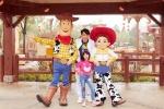 吴尊携女儿获邀体验迪士尼新园区 成首位入园明星