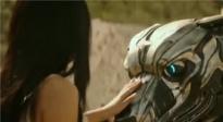 《机器猛犬》曝光沙龙网上娱乐片 小伙意外获得人工智能机器犬