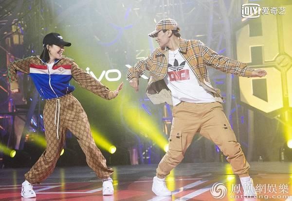 《热血街舞团》秦煜与宋茜共舞:根本不敢和她对视!图片