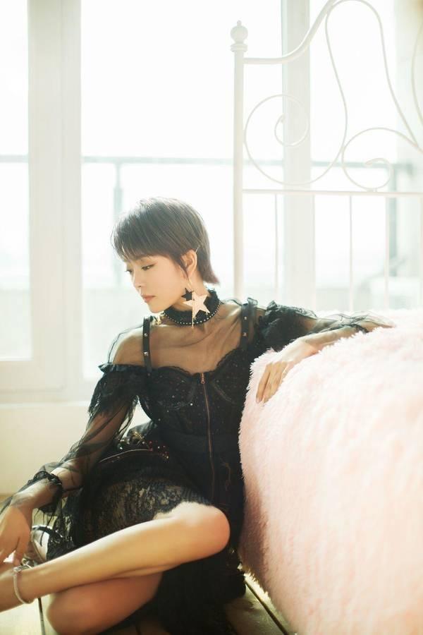 uedbet滚球新写真小露性感 透视黑纱裙公演眼神物撩_张飞跃torrent