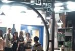 """《中餐厅2》法国火爆""""开业"""",赵薇舒淇无修美图引热议,王俊凯开""""帅哥""""雷达,亲自""""上菜""""!"""