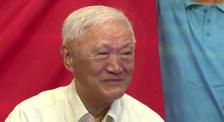 84岁老艺术家加入中国共产党 成龙拍摄动作沙龙网上娱乐周宣传片