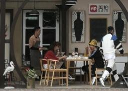 杨子姗包贝尔入职《中餐厅》 王俊凯用小费请客?