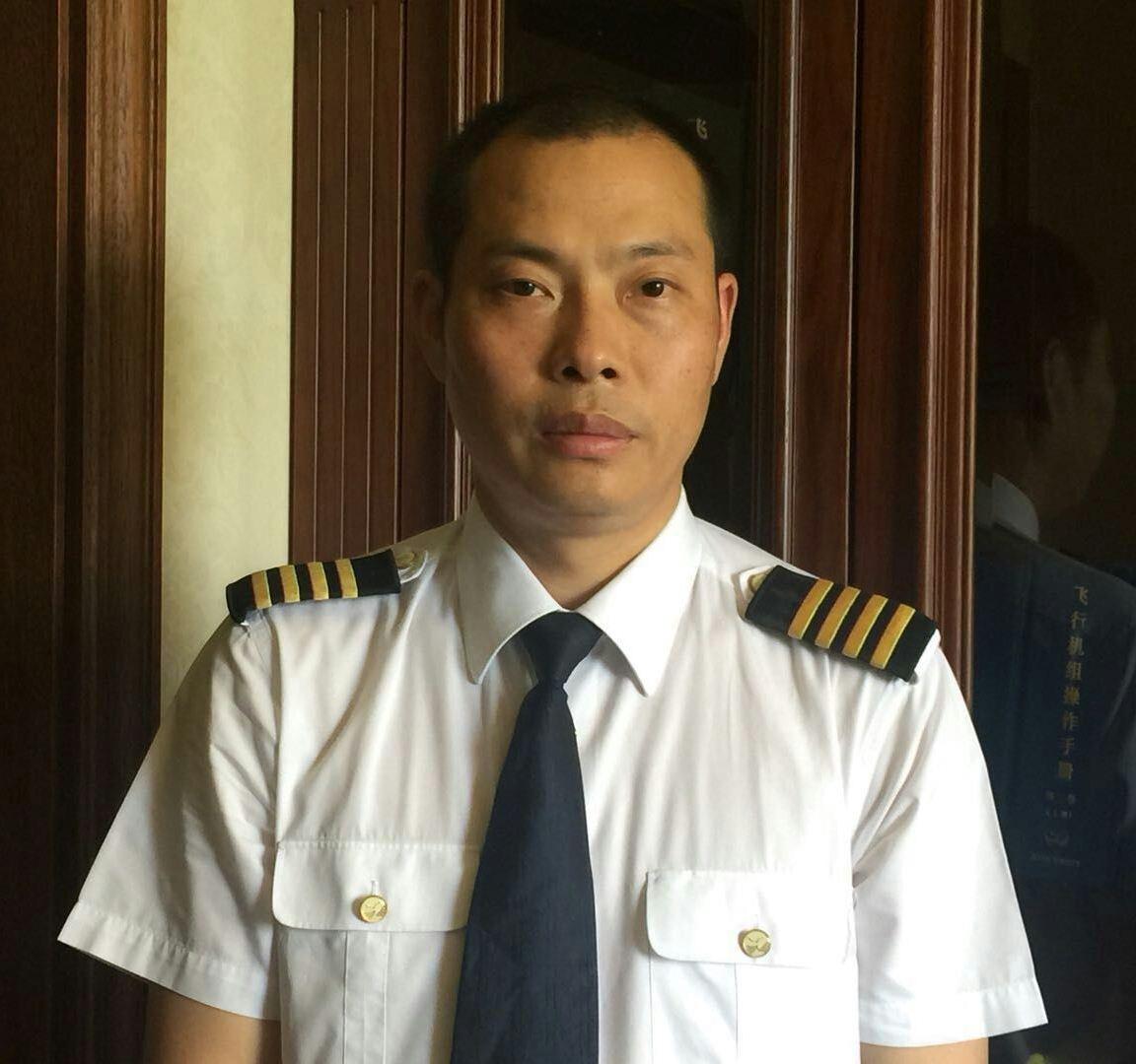 中国版《萨利机长》 川航英雄机长故事将拍电影