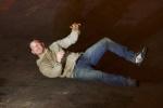 汤姆·哈迪《毒液》曝片场照 与虚空搏斗动作激萌