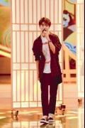 王俊凯清唱《简单爱》 跑堂小哥也有