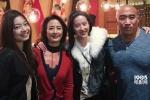 刘亦菲《花木兰》剧组庆生 与妈妈合照似亲姐妹