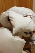蔡依林睡前贴心帮同事扛被子 意外暴露超炸腹肌