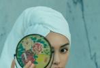 近日,Angelababy登封《Maire Claire嘉人》银十封面,全新发型吸睛无数。
