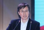 作为第五届丝路国际电影节重点活动单元,中国与巴基斯坦合拍电影《天路》签约仪式10月11日在西安举行。巴基斯坦国家艺术委员会主席贾玛尔·沙、故事原型招商局集团援疆工作办公室主任袁建民及出品方代表出席了活动。