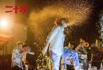 根据韩国现象级青春喜剧片《二十》改编,由《如懿传》成年五阿哥的饰演者屈楚萧,《前任3:再见前任》主演于文文等新生代演员主演的青春喜剧电影《二十岁》即将于11月9日公映。