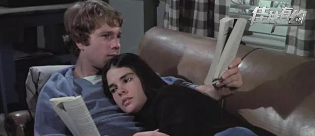 【佳片有约】《爱情故事》影评 曾经的爱情经典影片被淡忘的背后