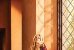 近日,因病阔别乐坛5年的加拿大女歌手艾薇儿·拉维尼终于复出,带着新单曲《Head Above Water》回归。现年34岁的她,日前也登上了《Billboard》杂志封面,少女感十足,令不少粉丝大为惊喜。