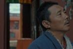 由著名藏族导演松太加执导,著名电影人廖希制片,藏族歌手容中尔甲和藏族演员尼玛颂宋主演的藏语电影《阿拉姜色》于今日曝光终极预告片。预告中藏族再生家庭从破裂走向和解,在争执与冲突,包容与释然中,描绘出一幅坦诚深刻的人性画卷。