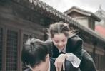 近日,欧阳娜娜与陈飞宇合作拍摄的一组杂志写真,再次引发关注。