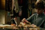 《铁血战士》万圣节特辑 小男孩穿上铁血战士装备
