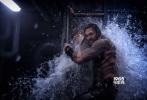 """由华纳兄弟影片公司出品的DC全新超级英雄电影《海王》即将于12月7日提前北美两周在国内上映。近日影片正式开启预售,三位主演""""海王""""杰森·莫玛、""""湄拉""""艾梅柏·希尔德及""""黑蝠鲼""""叶海亚·阿卜杜勒-迈丁也一同惊喜现身预售特辑,不仅向观众们展现了浩瀚神奇的海底世界与惊险打斗,还呼吁观众赶快买票,共赴这场惊心动魄的海洋冒险!"""