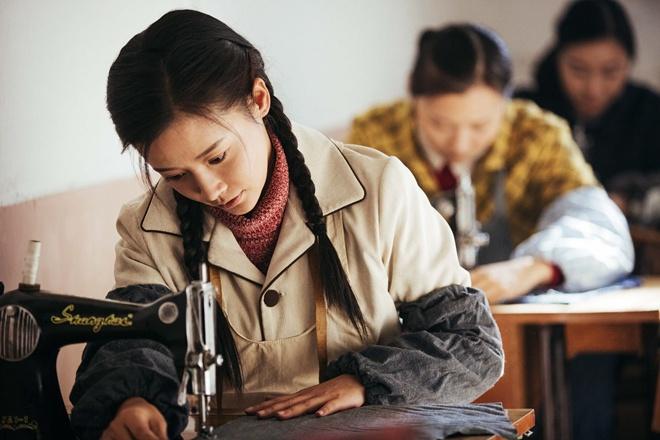 《奔腾岁月》收视第一 瑛子演技自然真实
