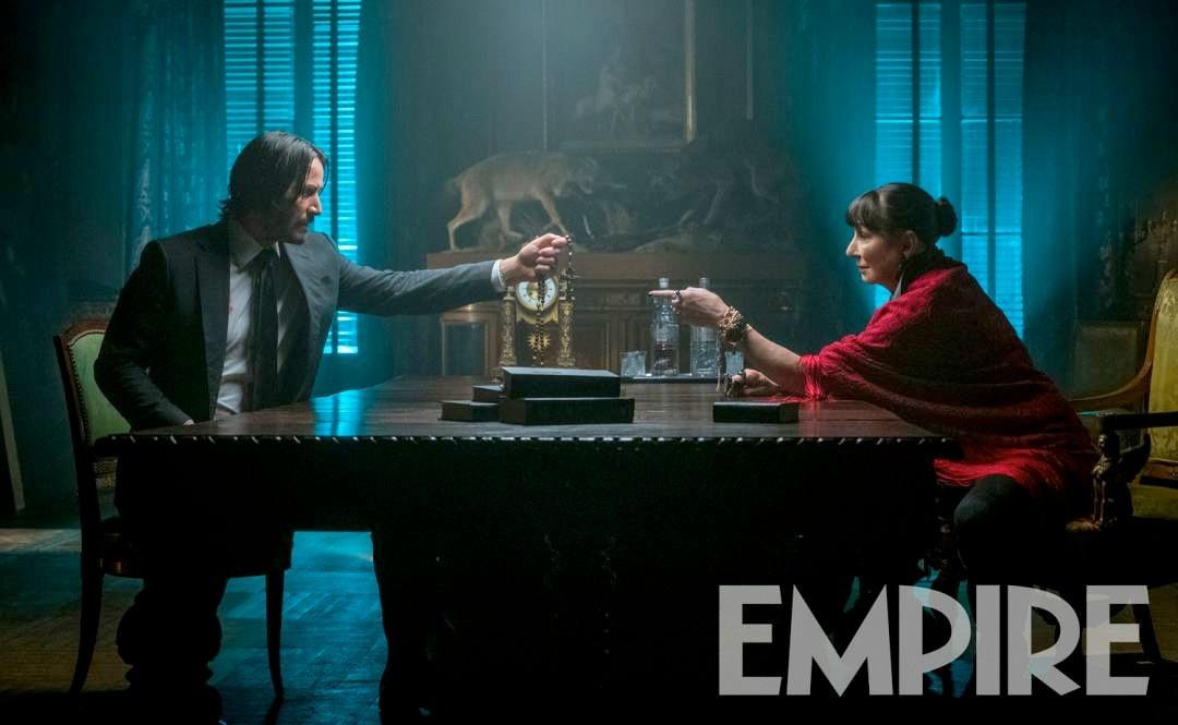 基努·里维斯《疾速追杀3》新剧照 神秘红衣女现身