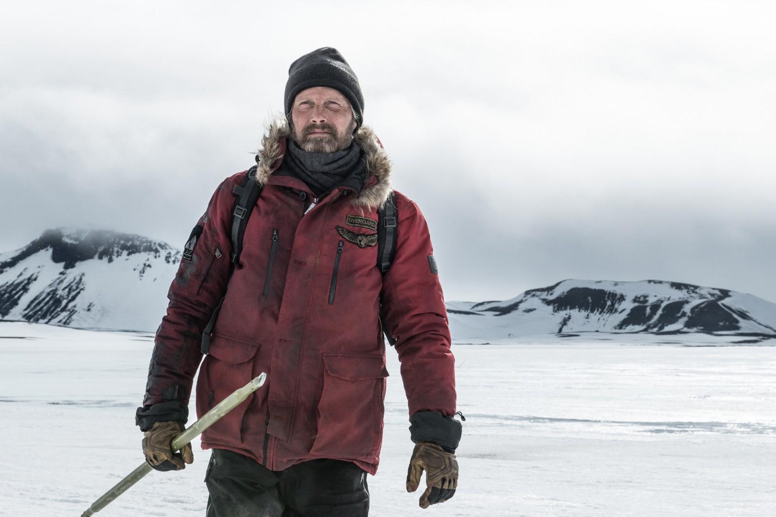 纪录片部落-纪录片从业者门户:《北极》曝光预告麦斯·米科尔森极地孤单求生