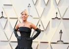 LadyGaga奧斯卡造型致敬赫本 黃鉆項鏈意義非凡