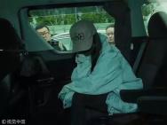 杨幂离婚后低调返港探望女儿 拒绝采访火速离开