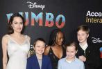当地时间3月11晚,由蒂姆·波顿执导的新版《小飞象》在美国洛杉矶举行首映,蒂姆·波顿、伊娃·格林、科林·法瑞尔、迈克尔·基顿等主创悉数到场。