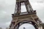 周杰倫騎滑板車游巴黎:我是不是該再寫首歌呢