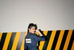 3月29,Angelababy携手新跑男团正式亮相!一身黄蓝工装造型,搭配黑色马丁靴,活力十足。