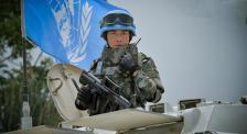 """""""渣龙""""聂远战场拆炸弹 电影频道4月5日18:20播出《中国蓝盔》"""