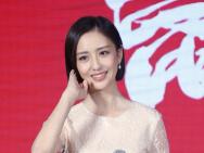 佟丽娅笑靥如花 刘昊然王俊凯与大自然亲近写真