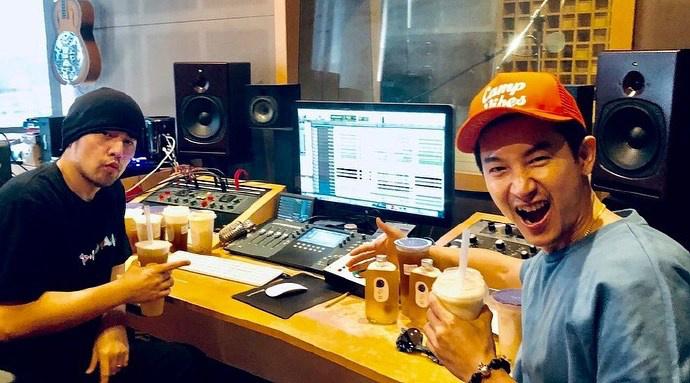 布置了! 周杰伦录制新专辑:最爱珍珠奶茶来探班